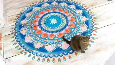,Mandala pattern on the floor, step available