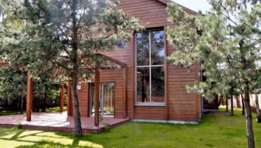Dom w leśnych klimatach