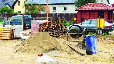 Bałagan na budowie - taką ekipę trzeba często kontrolować lub z niej zrezygnować