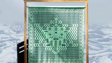 Kult morza - tkanina zainspirowana dawnymi obrzędami słowiańskimi oraz obchodami dnia Morza z czasów dwudziestolecia międzywojennego