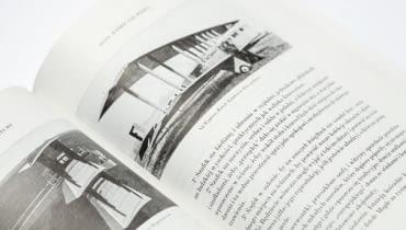 W swoich publikacjach le Corbusier często odwoływał się do maszyn - samolotów, samochodów, statków, które były wyobrażeniem postępu technologicznego, który zdaniem architekta, powinien być także drogą rozwoju architektury