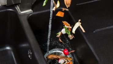 Młynek do zlewu. Co to jest młynek do odpadów i jak działa?