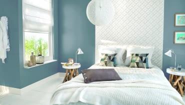 Sypialnia w chłodnych barwach