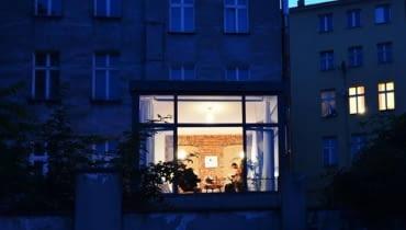 Przeszklona kostka - pomysł na mieszkanie Ostrów Tumski Wrocław
