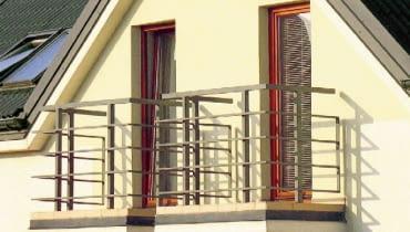 Balkon wymaga szczególnie starannego zaprojektowania i właściwego wykonania zarówno samej konstrukcji, jak i wszystkich warstw izolacji
