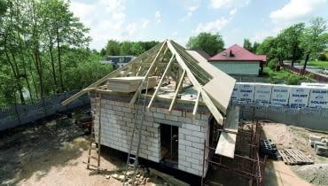 poszycie dachu, krycie dachu, budowa domu, więźba dachowa