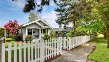 Z jakiego materiału wykonać ogrodzenie?