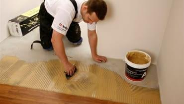 układanie podłogi drewnianej