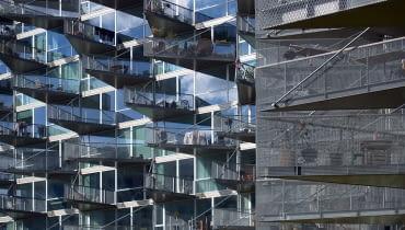 VM Husene to dzieło architektów z Bjarke Ingels Group i Julien De Smedt Architects.