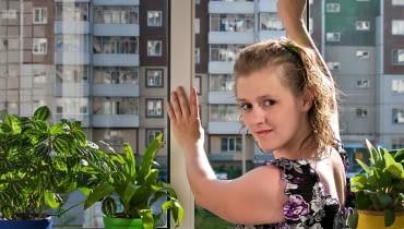 LATEM uchylenie okna to konieczność, bo przy szybie powietrze może nagrzewać się do ponad 40°C.