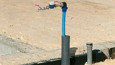 przyłącze wodociągowe,zimna woda,przyłącze wody do domu,instalacja wodociągowa