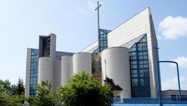 Kościół św. Jadwigi Królowej w Krakowie, projekt: Romuald Loegler, Jacek Czekaj, data budowy 1979-1988
