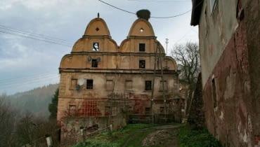 Dwór Sarny na Dolnym Śląsku