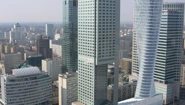 """160-metrowa wieża z Muzeum Sztuki Nowoczesnej miałaby stanąć zamiast pawilonu meblowego """"Emilia"""", obok hotelu InterContinental"""