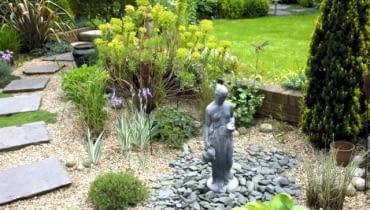 Small well designed town garden with sculpture - Queens Gate, Bristol