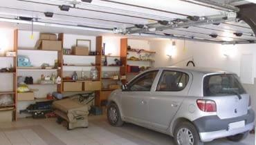 Garaż dwustanowiskowy. Jeśli chcemy go mieć rozbudowując istniejący - jednostanowiskowy, potrzebne będzie pozwolenie na budowę
