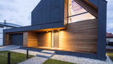 Dom nagrodzony tytułem Fasada Roku Baumit 2015 (Nagroda Internautów oraz Nagroda Jury w kategorii Budynek Jednorodzinny Nowy), Zielonki Wieś