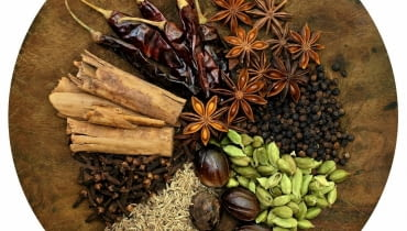 Rozgrzewające przyprawy: chili, anyż, kardamon, goździki, cynamon