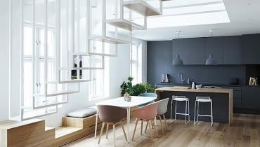 dwupoziomowe mieszkanie, jak rozplanować dwupoziomowe mieszkanie, schody, nowoczesne schody, jasne mieszkanie, jak rozjaśnić mieszkanie