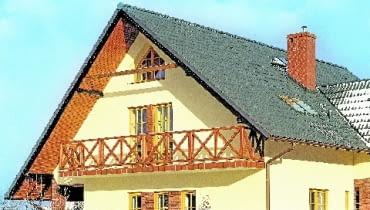 W domach z dachami dwuspadowymi styk ścian szczytowych i połaci trzeba dobrze ocieplić