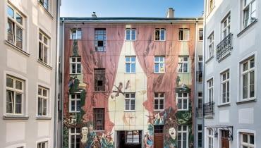 Artystyczne podwórko przy ulicy Więckowskiego 4