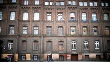Osiedle Poznańskiego w Łodzi 21.11.2010 LODZ , OSIEDLE POZNANSKIEGO PRZY ULICY OGRODOWEJ NAPRZECIWKO MANUFAKTURY .