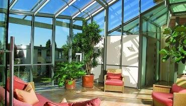 Jeśli powierzchnia ogrodu zimowego ma przekroczyć 25 m2, inwestor musi wystapić o pozwolenie na budowę