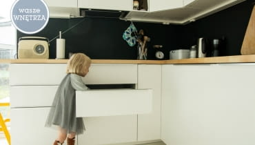 biały domek, wnętrza w bieli, białe wnętrza, jak mieszkają polacy, mieszkanie w skandynawskim stylu