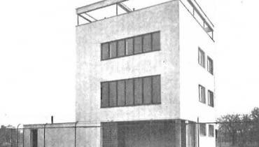 Jedna z modernistycznych willi prezentowana na profilu Warszawski Modernizm 1905 - 1939