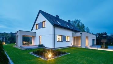 201 m2 powierzchnia użytkowa, 1200 m2 powierzchnia działki