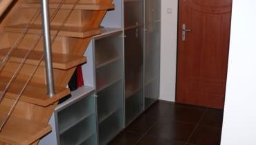 przechowywanie pod schodami