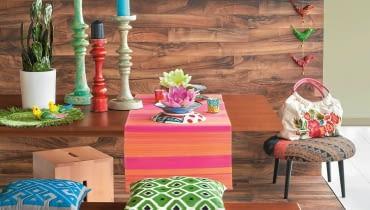 Im bardziej kolorowe i wzorzyste dodatki, tym spokojniejsze powinno być tło, na którym występują.