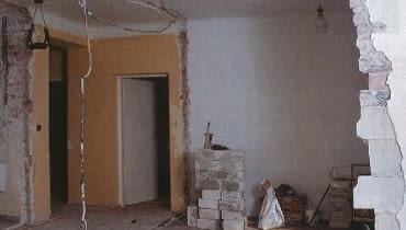 Wyburzanie ścian działowych trzeba przeprowadzać umiejętnie, zależnie od materiałów, z których są wykonane