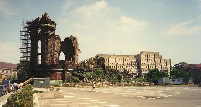 Zniszczone centrum Drezna