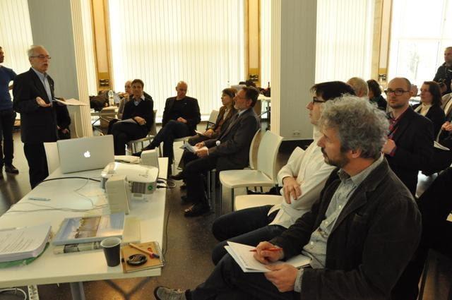 Zaproszeni goście w trakcie końcowych prezentacji wyników warsztatów