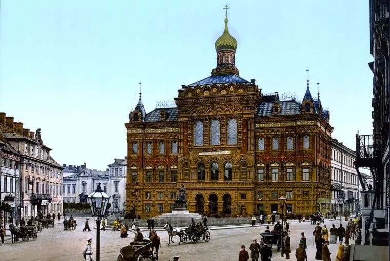 W Warszawie cerkiew przez pewien czas funkcjonowała także w przebudowanym Pałacu Staszica