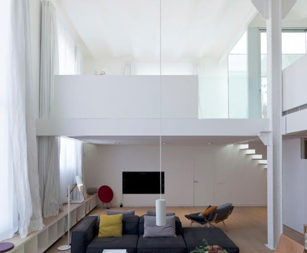 Industrialny loft w Barcelonie, proj. Planell-Hirsch Oficina de Arquitectura