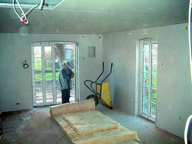 remont starego domu, okna, drzwi wyjściowe