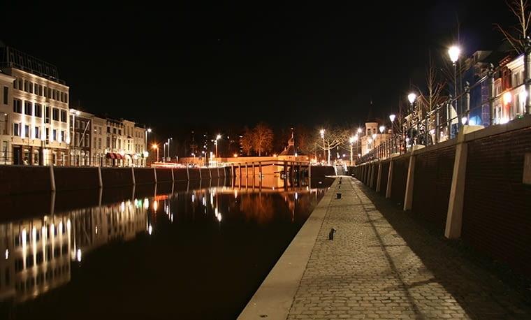 Do 'wykopania' samochodów ze starego koryta rzeki najpierw przez 10 lat nawoływali mieszkańcy Bredy. Potem projektem zainteresowali się też lokalni politycy, a w jego sfinansowaniu pomógł holenderski rząd i UE, fot. citypolska.com