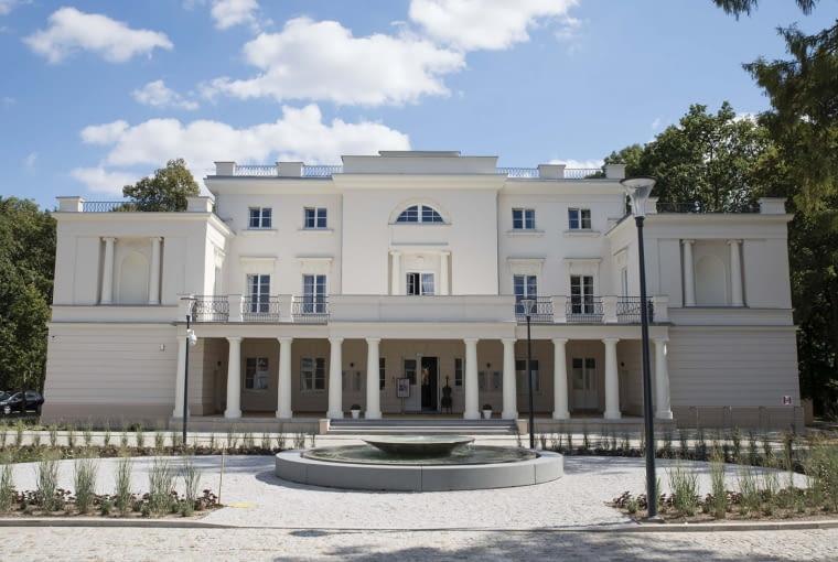 Zwycięzca: budynek po renowacji. Pałac w Jankowicach (projekt: Autorska Pracownia Architektoniczna Vowie Studio, realizacja: Przedsiębiorstwo Budowlane DOTA)