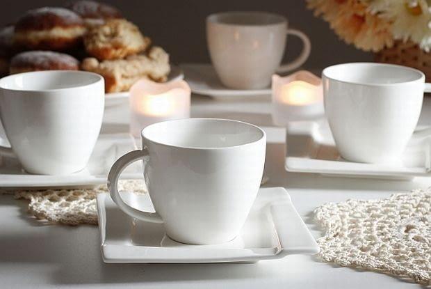 Serwis kawowy, filiżanki do kawy