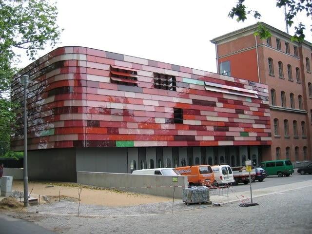 Siedziba straży pożarnej i policji w Berlinie.