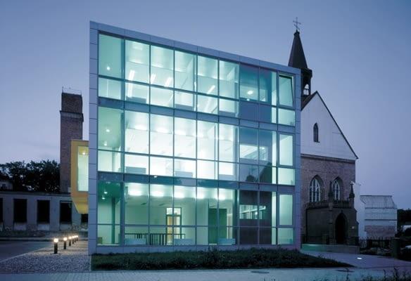 """Budynek biurowy redakcji """"Głosu Pomorza"""" w Koszalinie, projekt- HS99 (2001)"""