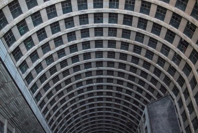 Apartamenty Ponte City w Johannesburgu. Finalista w kategorii wnętrze.
