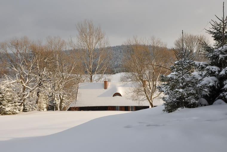 dom na wsi, dom zimą