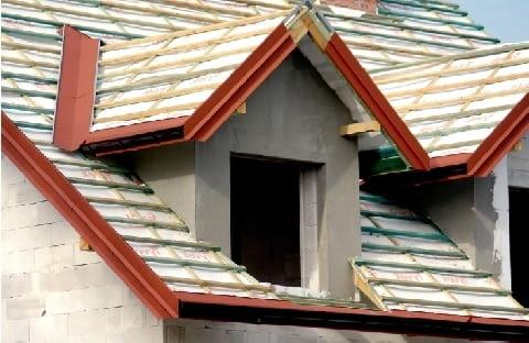Lukarna o konstrukcji murowanej - po ociepleniu i otynkowaniu ścianek