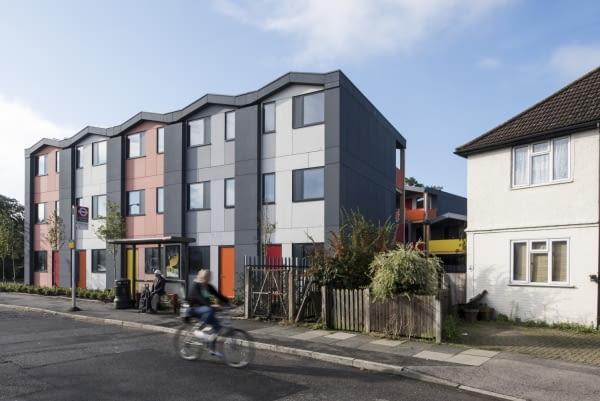 Y:Cube Mitcham, Londyn, Wielka brytania, proj. Rogers Stirk Harbour + Partners, nominacja w kategorii budynki zrealizowane, budynki mieszkalne.
