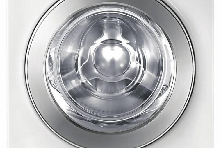 PRALKO-SUSZARKI. Z bąbelkami. 4899 zł, Eco Bubble, Samsung Klasa energetyczna A+, wsad prania 8 kg, suszenia 5 kg, wirowanie do 1400 obr. /min, 15 programów, w tym 4 poziomy suszenia. Wymiary: 60 x 60 cm. <BR />Co zwraca uwagę: mieszanina detergentu i wody jest napowietrzana - powstające bąbelki szybciej i głębiej wnikają w tkaniny, co zwiększa skuteczność prania i zmniejsza zużycie energii.