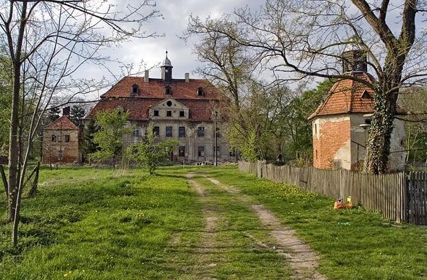 Sucha Wielka - barokowy pałac von Strachwitzów z k. XVIII w.