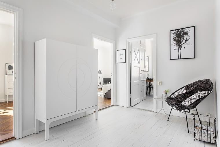 Białe mieszkanie Białe mieszkanie w stylu skandynawskim w stylu skandynawskim